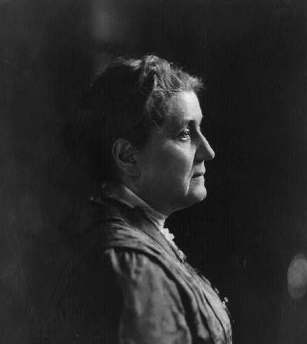 Image: Photo of Jane Addams taken in 1914. From the Library of Congress.
