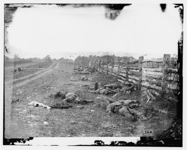 Image: Photograph showing deceased Confederate soldiers after the Battle of Antietam in 1862. From the Library of Congress.