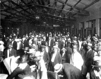 Photo of railroad depot concourse in Jacksonville, Florida, in 1921. From the State Archives of Florida.