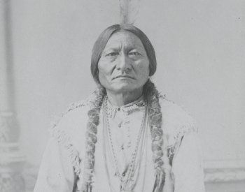 Image: Photo of Sitting Bull taken by David Francis Barryin 1885. From the Library of Congress.