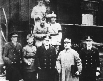 Image: Photo taken after the signing of the armistice in the Compiègne forest on November 11, 1918.